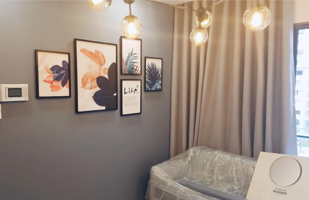 treo tranh canvas cho khách hàng